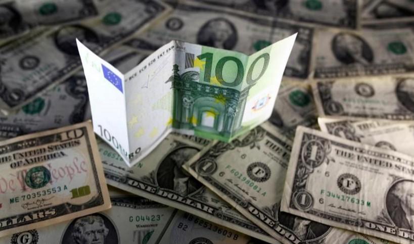 Евро у двухмесячных минимумов