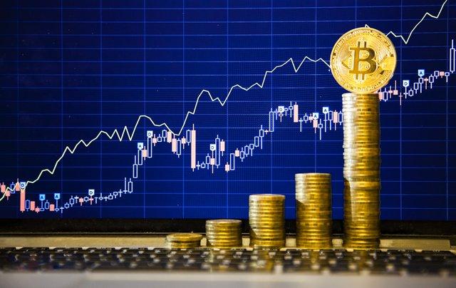 Как заработать на курсе биткоина?